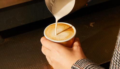 Making latte art_Covidsafe hospitality guide_Employment Hero